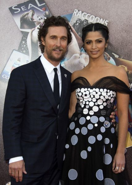 Actor Matthew McConaughey and model Camila Alves attend the Universal Studio premiere of 'Sing.'