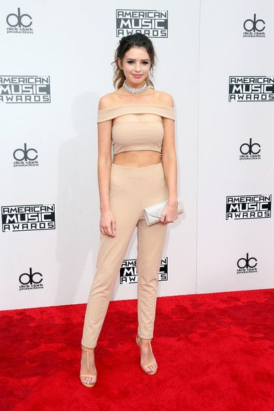 Jess Bauer - All the Looks from the 2016 American Music Awards - Photos