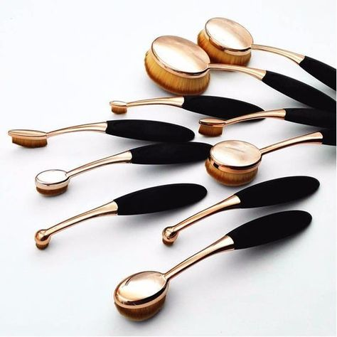 Black and Gold Oval Brush Set - The Best Makeup Brushes to Add to Your Beauty Arsenal - Photos