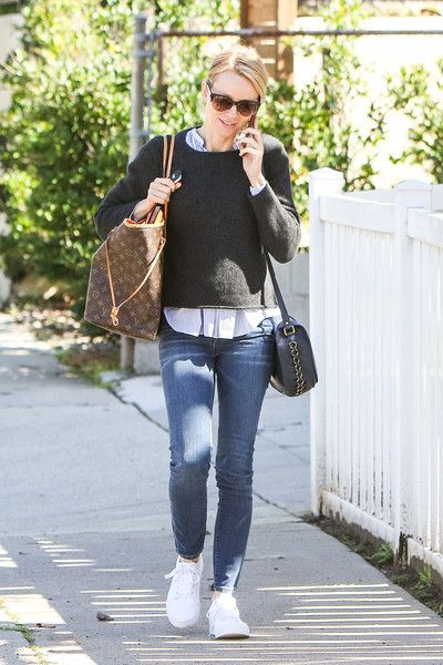 Naomi Watts' Casual Combo - Street Style Ideas From Your Favorite Celeb Moms - Photos