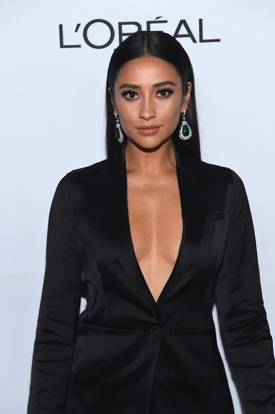Actress Shay Mitchell attends the Vanity Fair and L'Oreal Paris Toast to Young Hollywood.