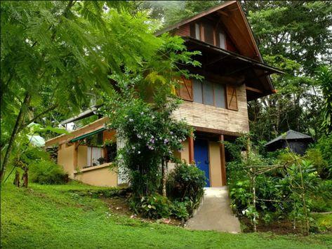 The Best Airbnb Getaways in Costa Rica | La Casita del Rio