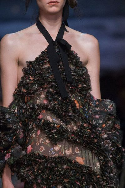 Erdem, Spring 2017 - These London Runway Details Are Too Pretty for Words - Photos
