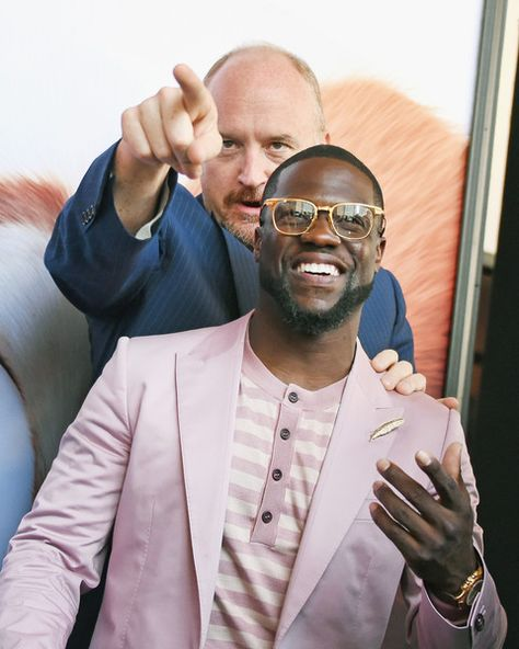 Comedians Louis C.K. and Kevin Hart pose for a picture at the NYC premiere of 'Secret Life of Pets.'