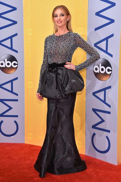 Faith Hill in a Peplum Skirt - The Best Dressed at the CMA Awards 2016 - Photos