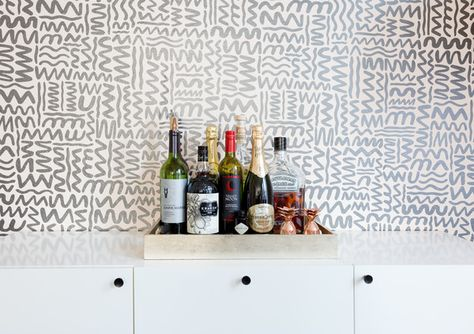 Wallpaper Debate - These Roommates Give Us Major Decor Envy - Photos