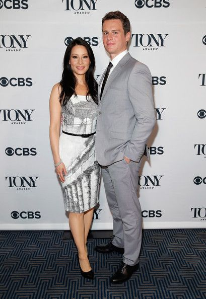 """Lucy Liu - 5'3"""" - The Shortest Women In Hollywood - Photos"""