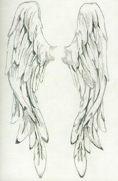 Нарисованные тату крылья на спине