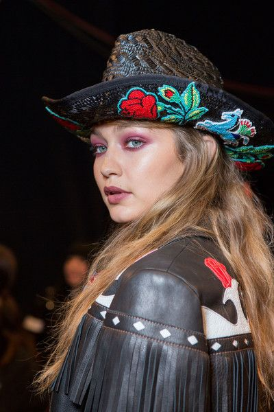Anna Sui, Spring 2017 - The Boldest and Most Beautiful Hair at NYFW Spring 2017 - Photos