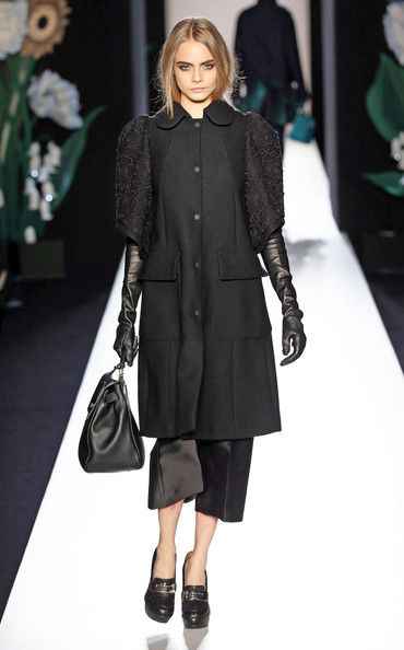 Mulberry, Fall 2013 - Cara Delevingne on the Catwalk - Photos