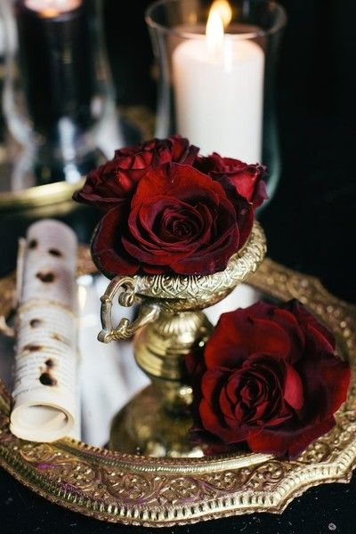 Romeo and Juliet - The Most Creative Themed Wedding Ideas - Photos
