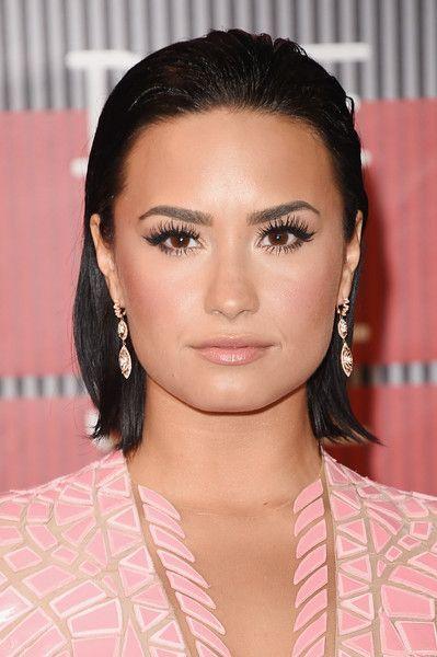 Demi Lovato's short bob hairstyle