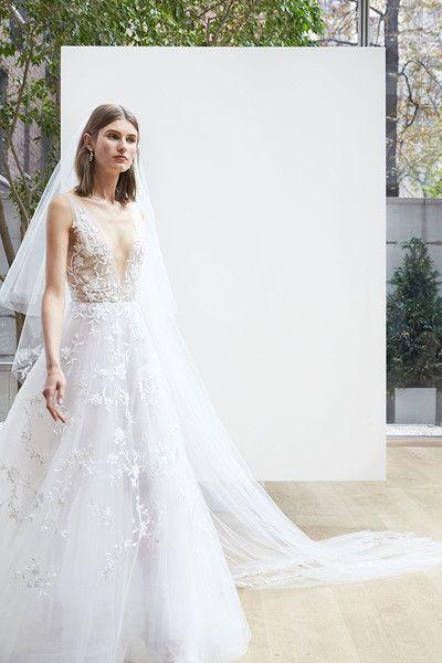 Oscar de la Renta Bridal, Spring 2017 -  A Sneak Peek at Next Year's Most Beautiful Wedding Dresses - Photos