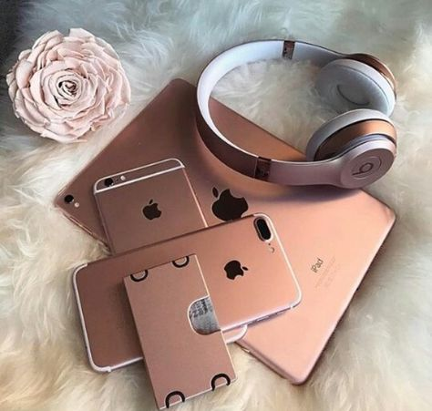 Apple iDevices in Rose Gold