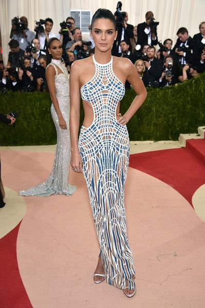 """Kendall Jenner attends the """"Manus x Machina: Fashion In An Age Of Technology"""" Costume Institute Gala at Metropolitan Museum of Art on May 2, 2016 in New York City."""