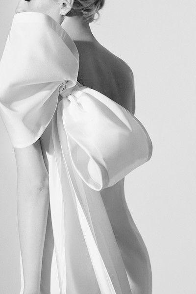 Carolina Herrera Bridal, Spring 2017 -  A Sneak Peek at Next Year's Most Beautiful Wedding Dresses - Photos