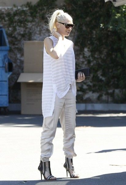 Gwen Stefani's Neutrals + Cage Heels - Street Style Ideas From Your Favorite Celeb Moms - Photos