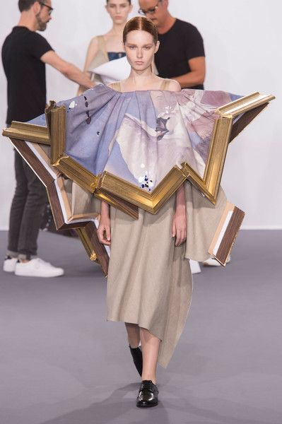 Viktor & Rolf, Fall 2015 - The Most WTF Runway Moments of the Last 5 Years - Photos