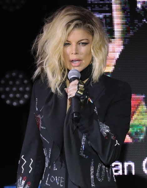 Fergie performs at New York City Pride 2016.