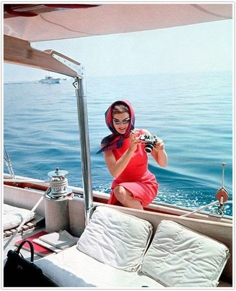 Sailing - These Rare Photos of Jackie O Are So Touching - Photos