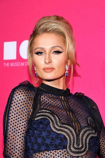 Paris Hilton attends the MOCA Gala 2017 honoring Jeff Koons.