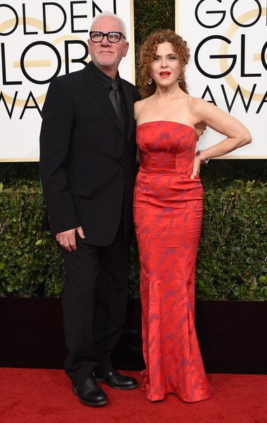 Bernadette Peters and Malcolm McDowell - The Cutest Couples at the 2017 Golden Globes - Photos