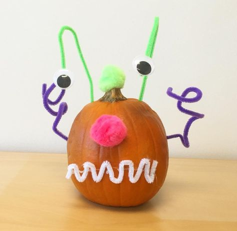 Pipe Cleaner Pumpkin - 101 Fabulous Pumpkin Decorating Ideas - Photos