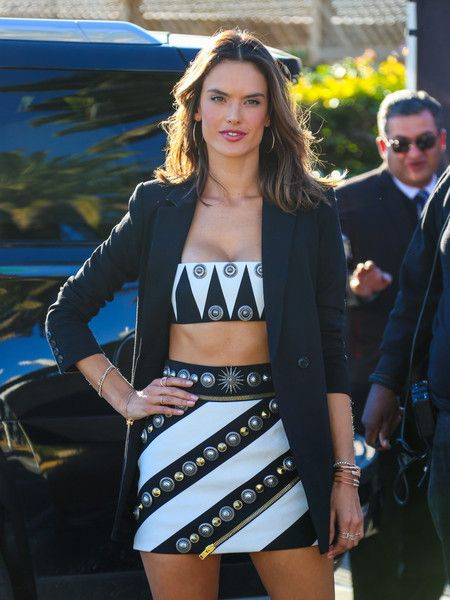 Alessandra Ambrosio is seen visiting 'Extra' at Universal Studios.