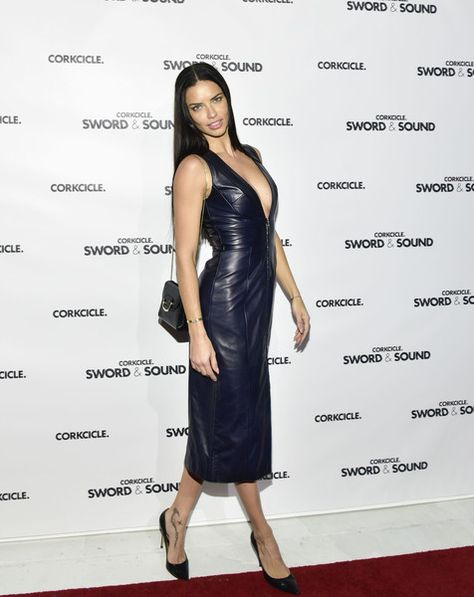 Adriana Lima - 5'10 - The Tallest Women in Hollywood - Photos