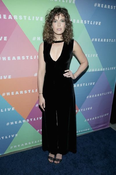 Actress Mandy Moore attends the Hearst launch of HearstLive, a multimedia news installation, at 57th Street & 8th Avenue on September 27, 2016 in New York City.