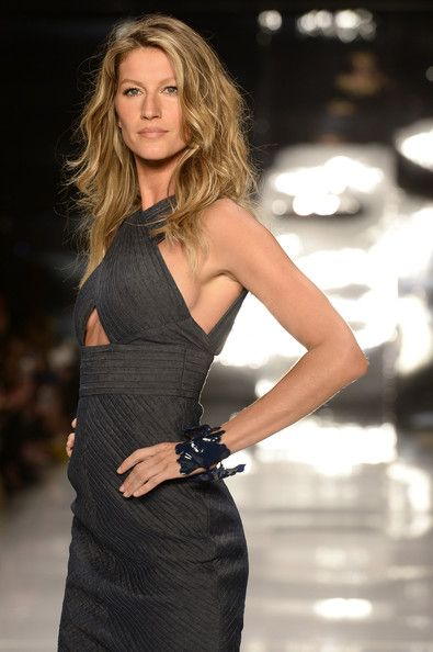 Colcci, Spring 2014 - These Throwback Runway Photos of Gisele Are Amazing - Photos