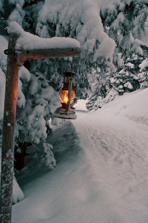 Snow Lantern, The Alps, Switzerland (besttravelphotos.me)
