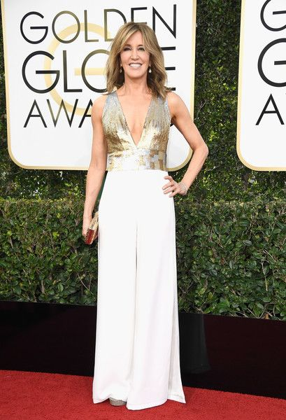 Felicity Huffman - All the Stunning Looks from the 2017 Golden Globes - Photos