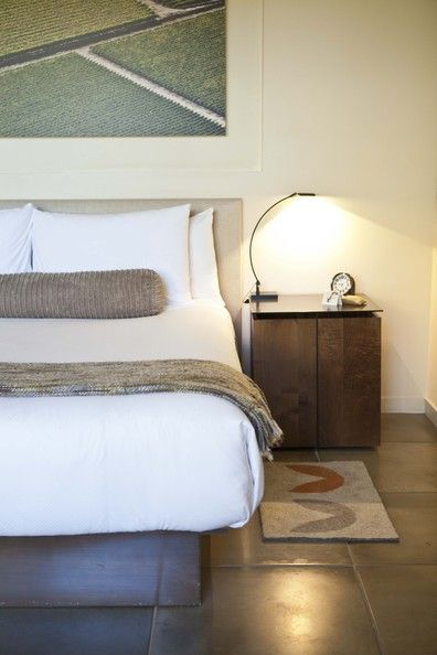 Calm & Collected - The Most Beautiful Guest Rooms in Lonny - Photos