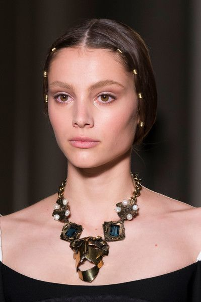 Valentino Couture, Fall 2016 - The Most Daring Fall '16 Couture Jewelry - Photos