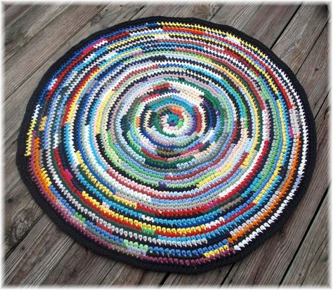 Round Rag Rug 41 inches by DebbieCrochets on Etsy