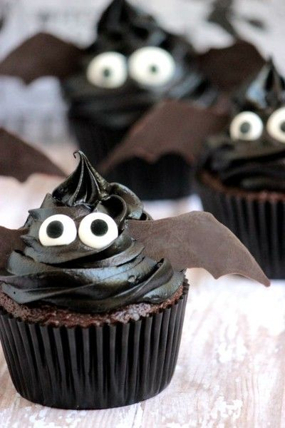 Easy Bat Cupcakes - Halloween Recipe DIYs - Photos