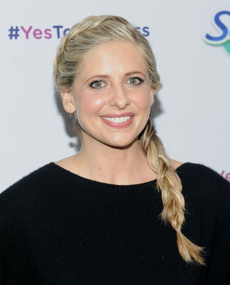 """Actress Sarah Michelle Gellar and Swiffer encourage parents to say """"Yes To The Mess!"""" at Maman Bakery Tribeca on February 3, 2016 in New York City."""
