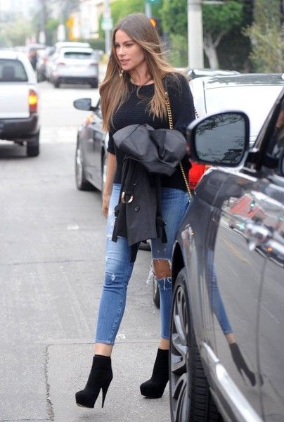 'Modern Family' actress Sofia Vergara is spotted out running errands in West Hollywood, California on February 20, 2017. Sofia announced recently that her and her husband Joe Manganiello are working on an upcoming project together.