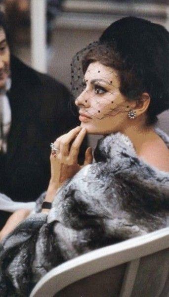Veiled - Rare and Magnificent Photos of Sophia Loren - Photos