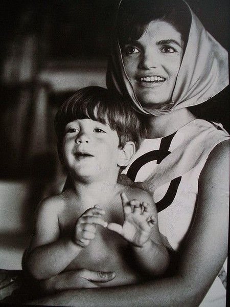 Headscarf - These Rare Photos of Jackie O Are So Touching - Photos
