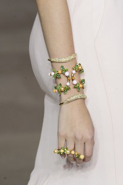 Georges Hobeika Couture, Spring 2017 - Couture's Spring '17 Runway Jewelry Is Really Fierce - Photos
