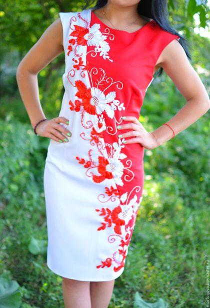 Модели платьев с вышивкой фото 5010