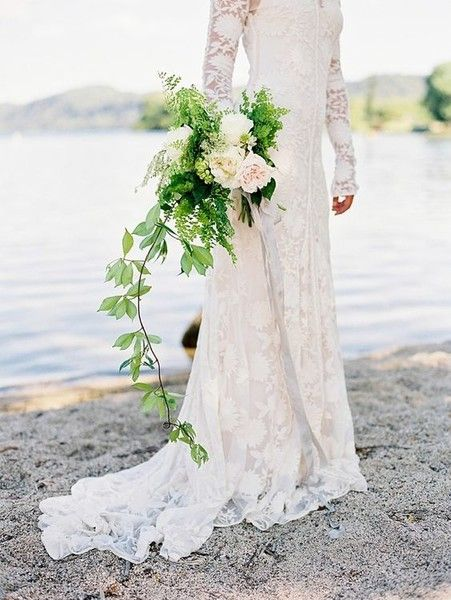 Long Vine - Statement Bouquets for Your Walk Down the Aisle - Photos