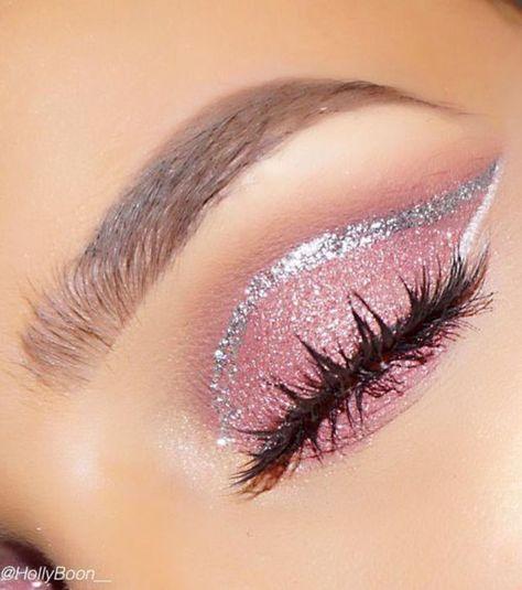 Maquillage : 18 idées de make-up tendances pour les fêtes de fin d'année