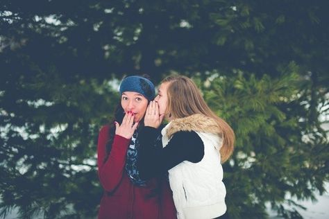 You'll Laugh & Gossip - Reasons To Get In Touch With Your Old BFF - Photos