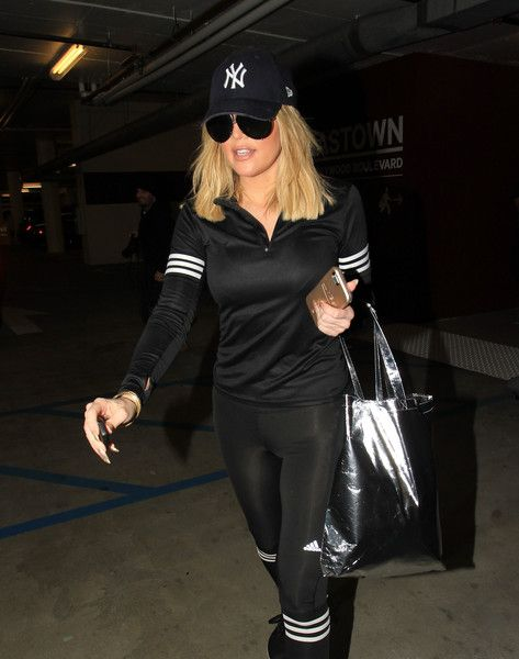 Khloe Kardashian leaves Soul Cycle.