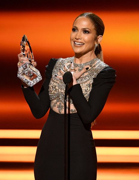 Actress Jennifer Lopez accepts Favorite TV Crime Drama Actress for 'Shades of Blue' onstage during the People's Choice Awards 2017.