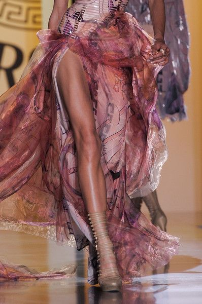 Versace Couture Details, Fall 2012 - Versace's Most Glamorous Couture Details of the Decade - Photos