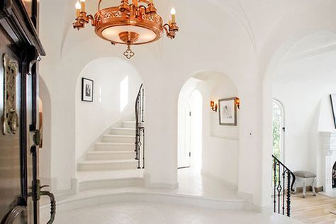 Open Entrance - See Sia's $4.99 Million Dollar Los Feliz Pad - Photos